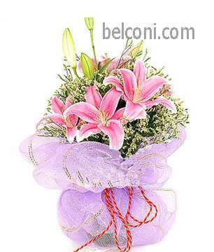 Lilly Hand Bouquet 20