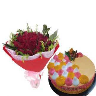 Pandan cake with flower.